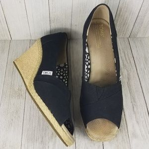 Toms Calypso Canvas wedge sandal size9